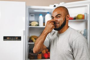 What product to remove the bad smell from the fridge