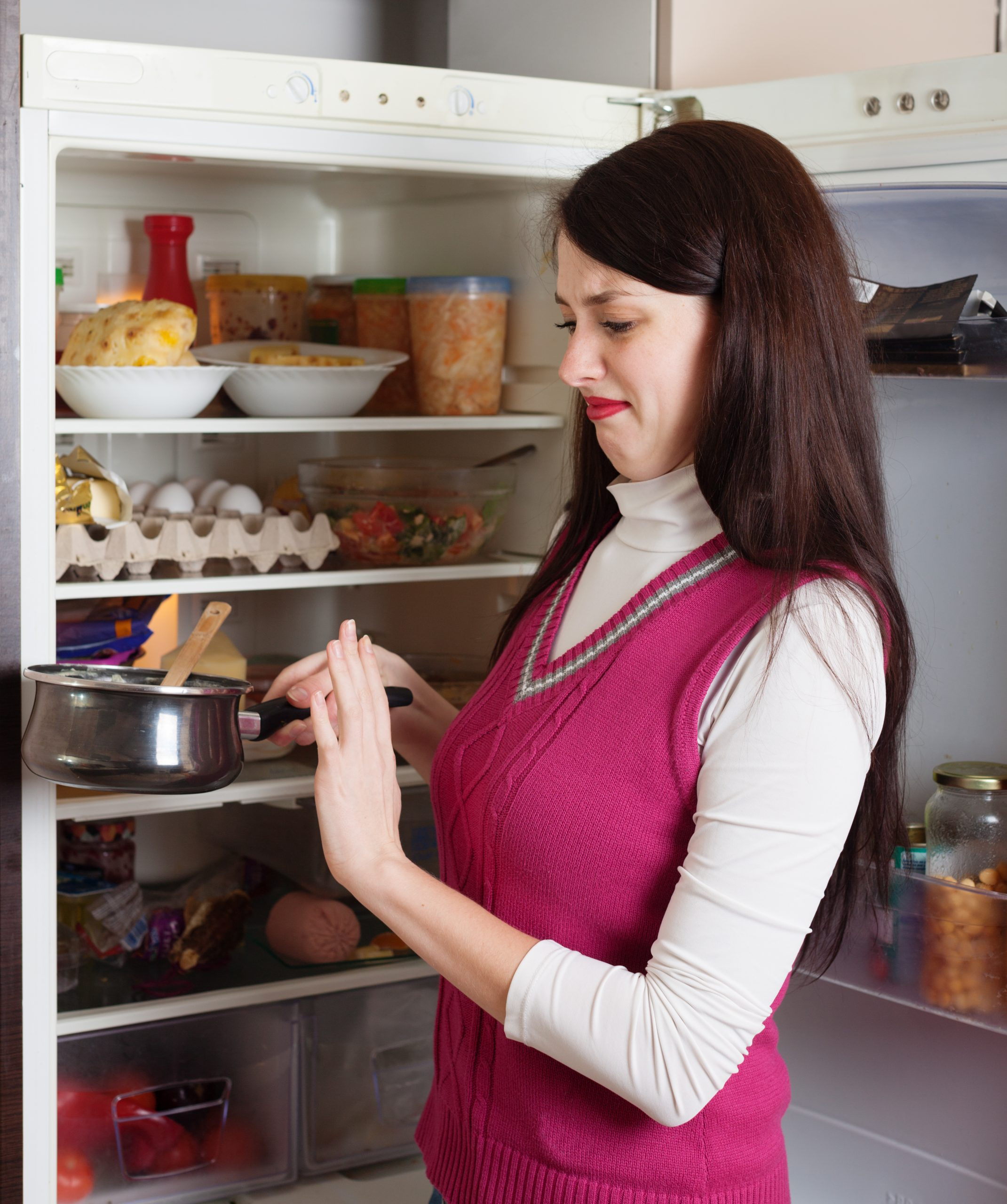 how to remove fridge smell