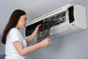 How To Clean The Air Conditioner